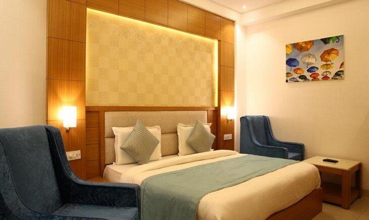 Deluxe Room image FabHotel Transit Delhi Airport New Delhi