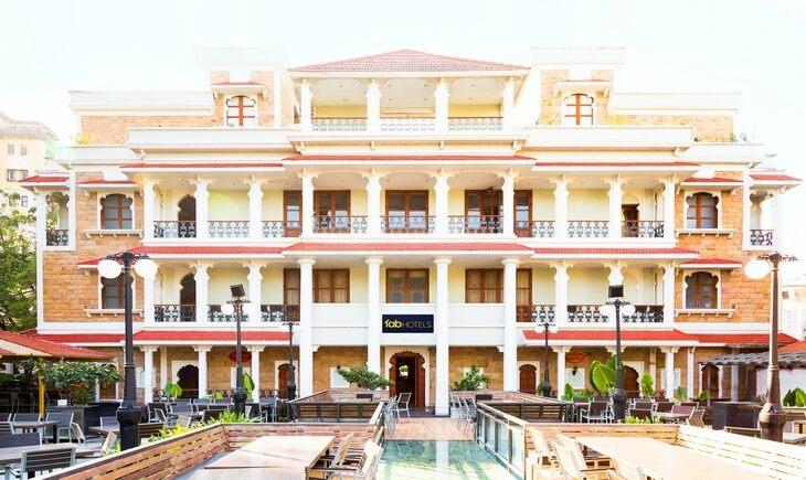 Facade image FabHotel Rajwada Baner Pune