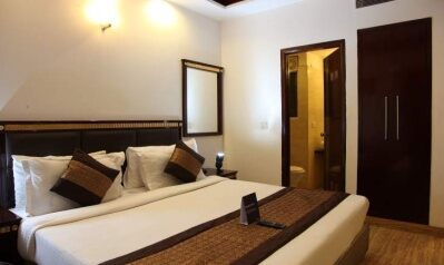FabHotels in Gurgaon (1 image FabHotel First Star HUDA Metro)