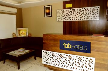 FabHotels in Jaipur Airport (2 image FabHotel Padmavati Palace)