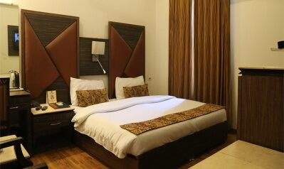 FabHotels in New Delhi (image FabHotel Sunstar Karol Bagh)