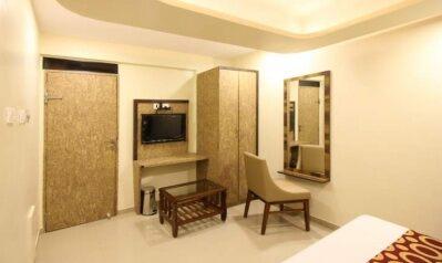 FabHotels in Mumbai (2 image FabHotel Golden Park Jogeshwari West)
