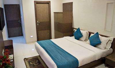 FabHotels in Ahmedabad (1 image FabHotel Classic Inn Navrangpura)