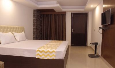 FabHotels in New Delhi (2 image FabHotel Blueberry Hauz Khas)