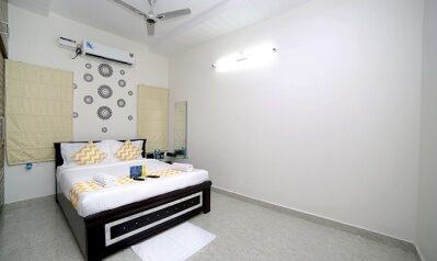 FabHotels in Hyderabad (2 image FabHotel Hallmark Inn Kukatpally)