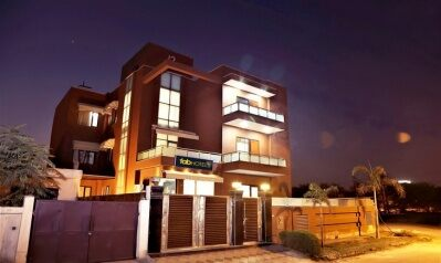FabHotels in Gurgaon (1 image FabHotel Aksh Palace Golf Course Road)