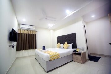 FabHotels in Jubilee Hills (2 image FabHotel Pearl City HiTech City)