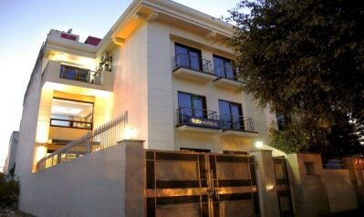 FabHotels in Gurgaon (1 image FabHotel Oasis DLF Phase 3)