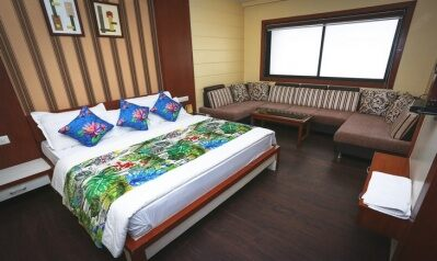 FabHotels in Indore (2 image FabHotel Kings Park A.B. Road)