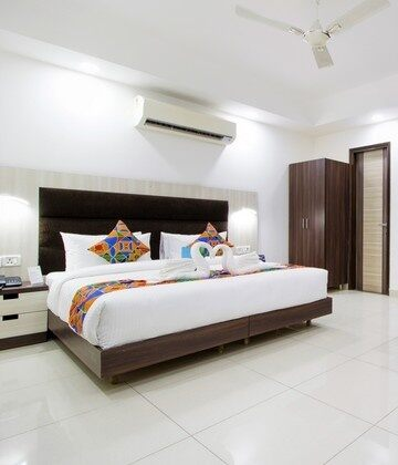 Hotels in Dwarka, New Delhi for Unmarried Couples Starts @ ₹ 1299