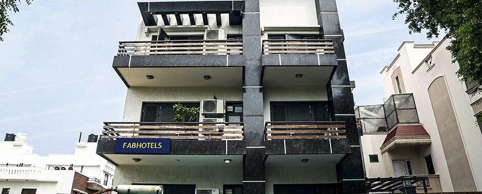 Main picture of FabHotel Signature Gurgaon Hotels