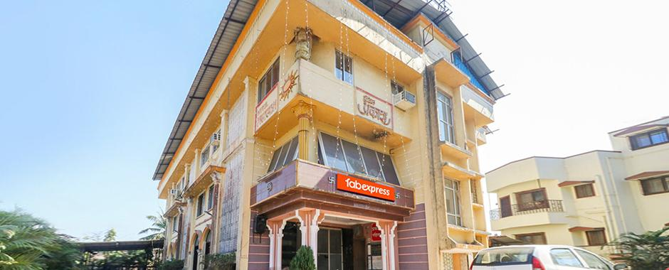 Book FabExpress Sumitra Palace Online