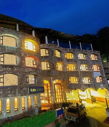 Hotels in ooty book ooty hotels in budget price 1365 - Best hotels in ooty with swimming pool ...