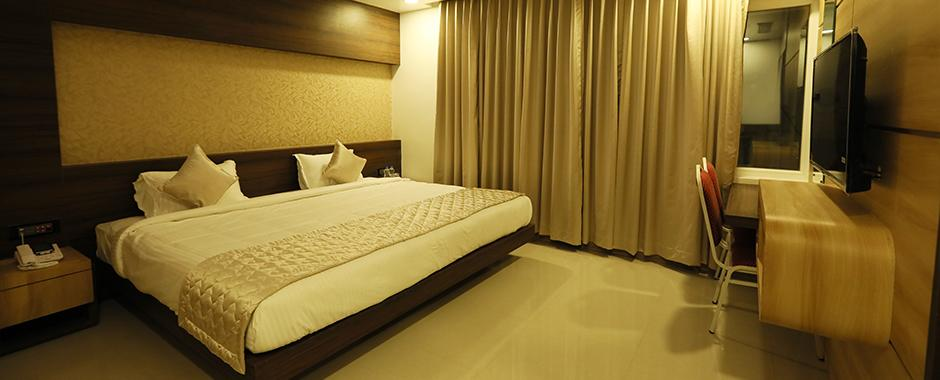 Book FabHotel Golden Swan Airport Online